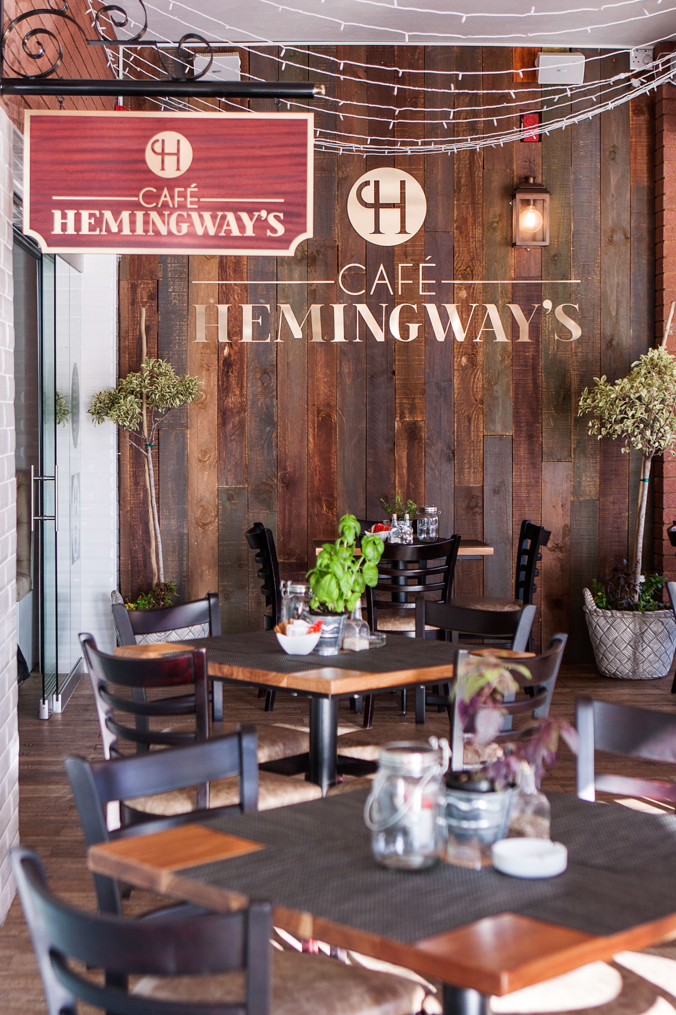 Hemingways-Food-023